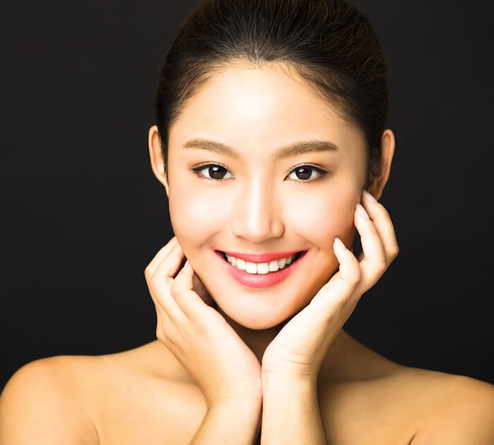 carbon peel laser helps reduce acne and pores